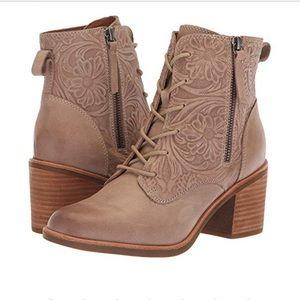 Sofft Sondra light taupe boot.